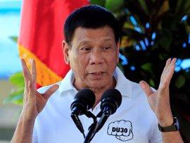 "Duterte asegura que no busca una ""guerra"" pese al despliegue militar en el Mar de China Meridional"