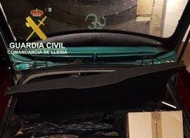 La Guardia Civil interviene 2.250 cajetillas de tabaco de contrabando en la Seu d'Urgell
