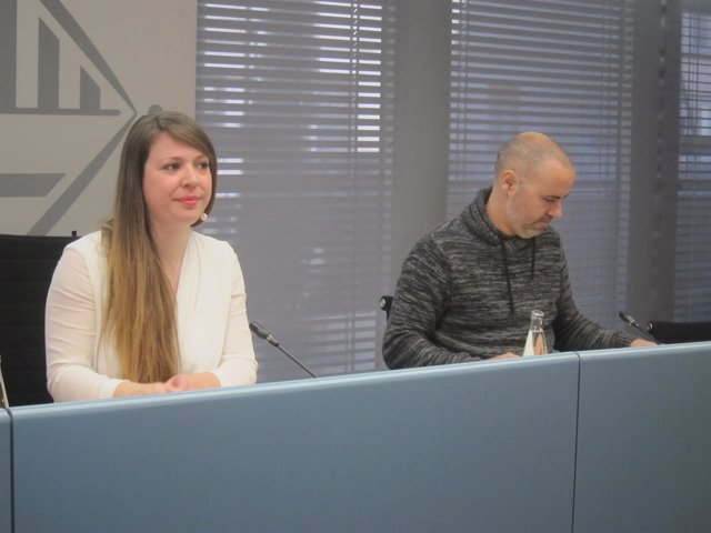La teniente de alcalde Janet Sanz y el concejal Eloi Badia