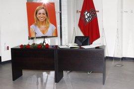 Dirigentes socialistas y políticos de otras formaciones despiden a Carme Chacón