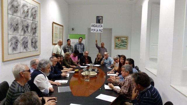 Plataforma Sevilla contra la guerra en la Oficina del Defensor