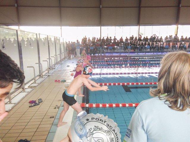 La Piscina Municipal de Berja ha congregado a 170 deportistas en esta actividad.