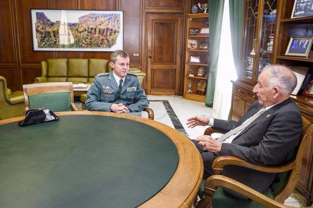 El nuevo Coronel Jefe de la Comandancia, en el despacho de Gabriel Amat.