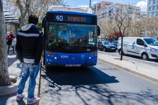 Parada de autobús, EMT, autobuses, carril bus, calle, transporte público