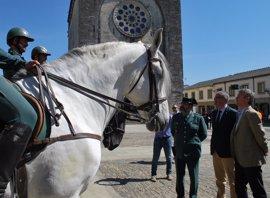 Dos gendarmes se incorporan al dispositivo de seguridad del Camino junto a agentes motorizados y caballería