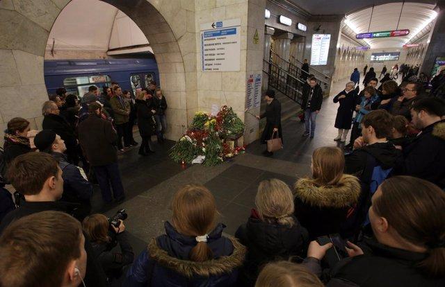 Homenaje a las víctimas del atentado de San Petersburgo