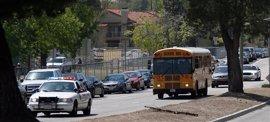 Un hombre mata a una profesora y hiere a dos alumnos antes de suicidarse en una escuela primaria en California