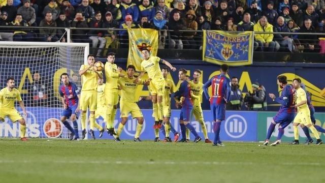 Messi marca en el Barcelona - Villarreal