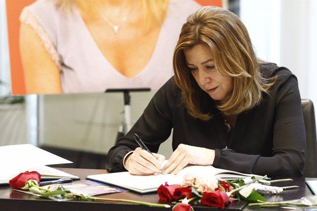 Susana Díaz se despide de Carme Chacón en Ferraz