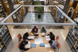 El Parlamento pide modificar el decreto de escolarización con el consenso de la comunidad educativa