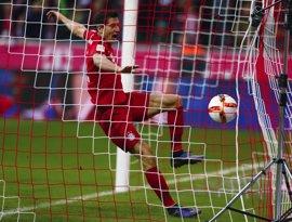 Lewandowski no acaba el entrenamiento con el Bayern y Neuer sigue aparte