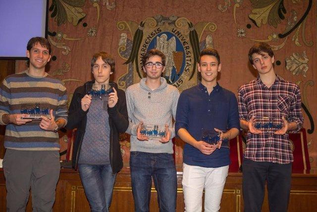 Algunos de los premiados en la Olimpiada de Filosofía de Navarra.