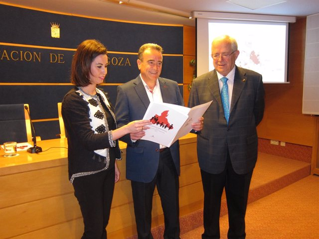 Ladrero, Sánchez Quero y Llanas han presentado hoy el estudio sobre población