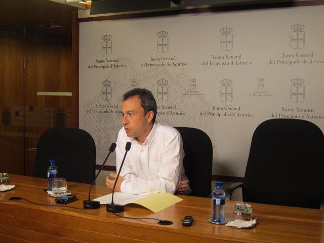 El Diputado De IU Y Portavoz De Infraestructuras En La Junta, Ovidio Zapico.