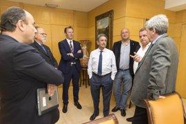 El Gobierno quiere que las Casas de Cantabria puedan acogerse a más ayudas