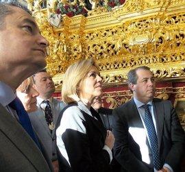 Cospedal asiste a la misa de ofrenda al Ejército en el convento de Capuchinos de Jerez