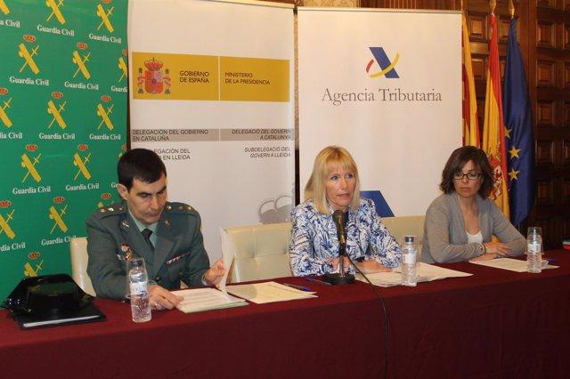 José Antonio Ángel, Inma Manso y Meritxell Calvet en rueda de prensa