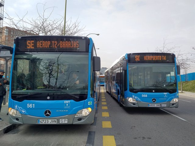 Autobuses de las líneas especiales de EMT Madrid