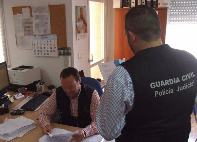 Guardia Civil detiene a dos personas por una quincena de estafas