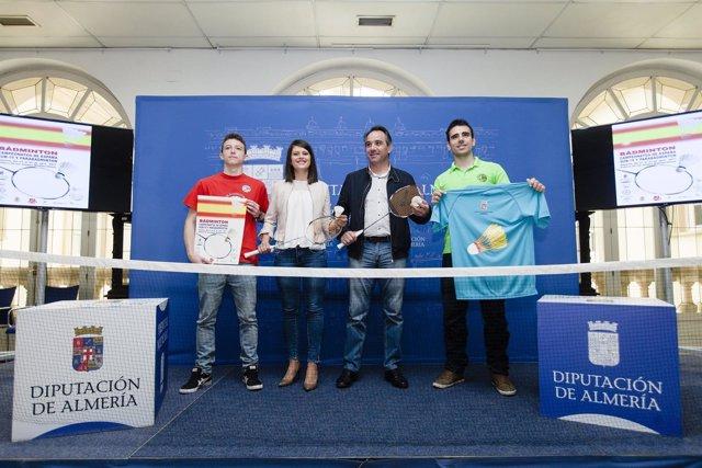 Los mejores jugadores de bádminton sub-19 y parabádminton estarán en Almería.
