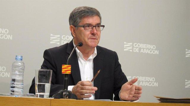 El consejero de Presidencia de Aragón, Vicente Guillén