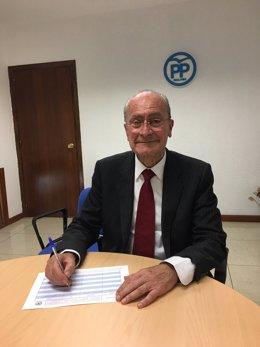Francisco de la Torre firma el aval para Elías Bendodo para presidente del PP