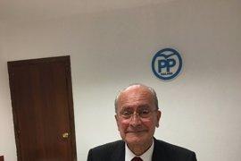 De la Torre firma el aval en apoyo a Elías Bendodo como presidente del PP de Málaga