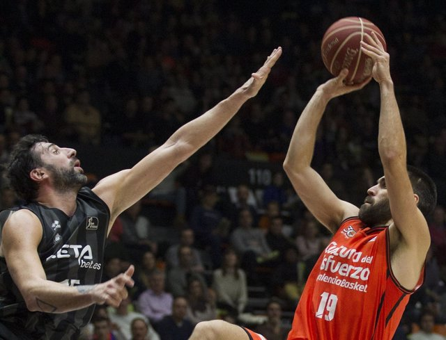 Fernando San Emeterio Valencia Basket contra Retabet Bilbao Basket
