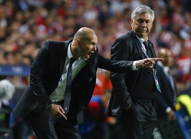 Zidane con Ancelotti