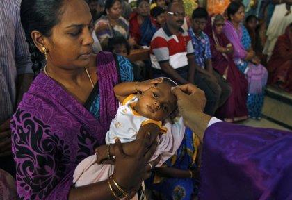 La India lanza una norma contra la discriminación por tener VIH