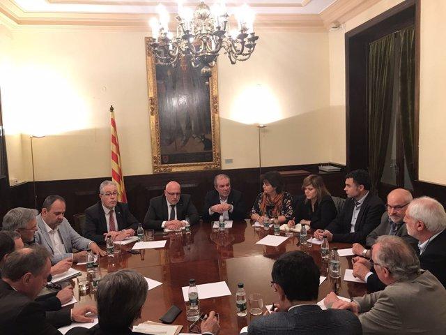Ordi Baiget y Joan Reñé con alcaldes y presidentes de consejos comarcales