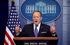 """El portavoz de la Casa Blanca critica a Al Assad asegurando que """"ni siquiera Hitler usó armas químicas"""""""