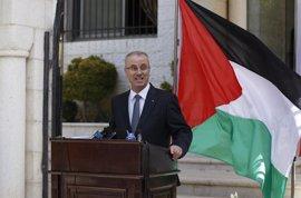 """El primer ministro palestino asegura que el recorte salarial a funcionarios de Gaza es """"temporal"""""""