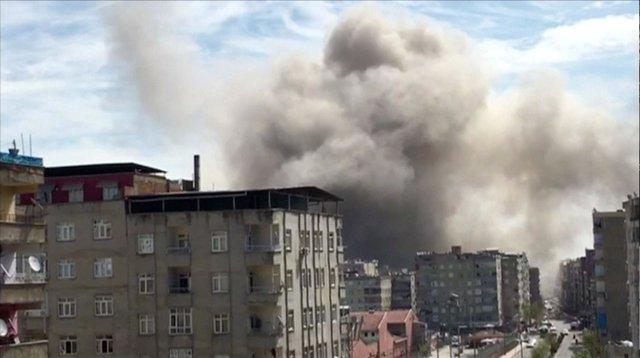 Humo tras una explosión en Diyarbakir, en el sureste de Turquía