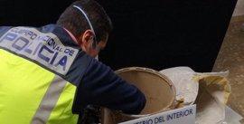 Intervenidos 1.358 gramos de 'speed' en una vivienda de Fuengirola (Málaga)