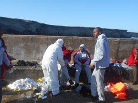 Localizado el cadáver del subsahariano desaparecido en el naufragio de la patera en aguas de Alborán
