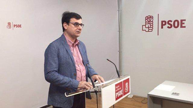 Emilio Ivars (PSOE) en rueda de prensa