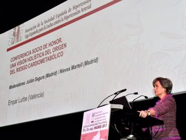 La pediatra Empar Lurbe, nombrada socia de honor de la Sociedad Española de Hipertensión