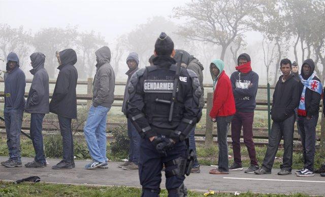Menores no acompañados en 'La Jungla' de Calais