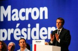 Macron dice que no se presentará a las legislativas si no gana las presidenciales en Francia