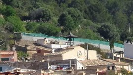 "ARCA considera ""totalmente irrespetuosa"" una pared de bloques de hormigón el barrio histórico des Pantaleu (Andratx)"