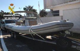 Un ciudadano avisa a la Guardia Civil del robo de una embarcación de su empresa tras verla en un remolque en la AP-7