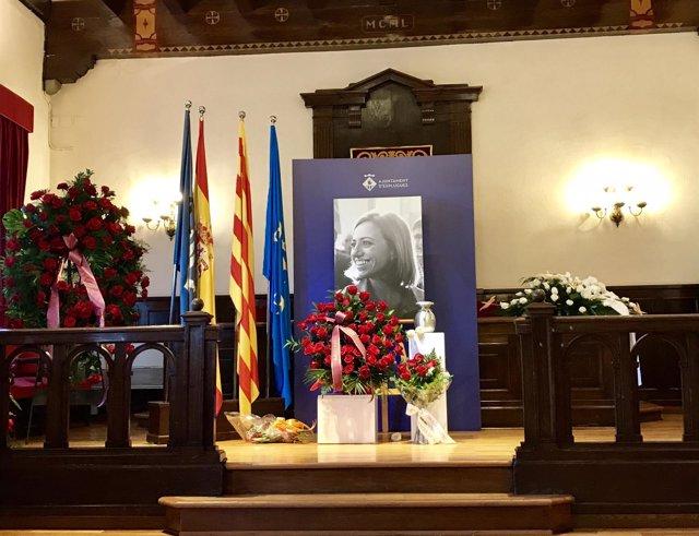 Urna con las cenizas de C.Chacón en el Ayuntamiento de Esplugues de Llobregat