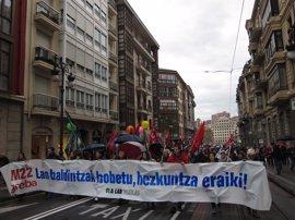 ELA, LAB y Steilas convocan paros para los días 16 y 23 de mayo en la enseñanza no universitaria de Euskadi