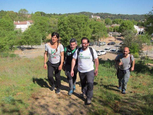 Rodríguez, Moscoso y otros responsables de Podemos en el inicio de un sendero