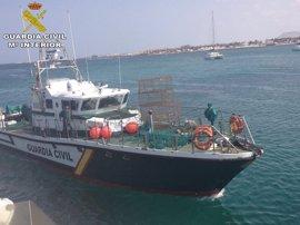 Intervienen 3.000 metros de palangre y artes de pesca ilegales en la isla de Lobos y Lanzarote