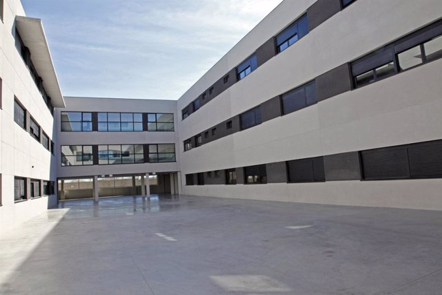 Patio del colegio Juan Pablo II en Alcorcón