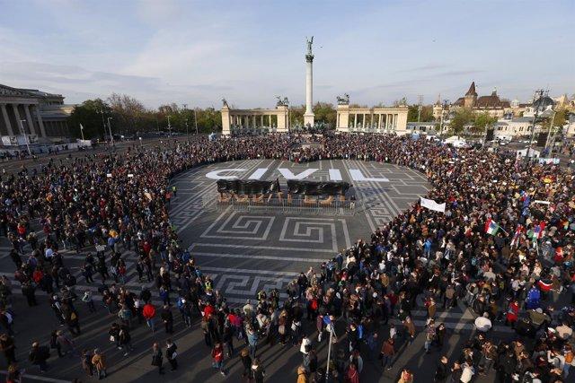 Manifestación en Budapest contra la ley de universidades