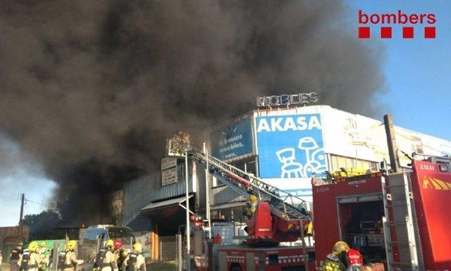 Incendio en una nave de reparación de autobuses de Palafolls