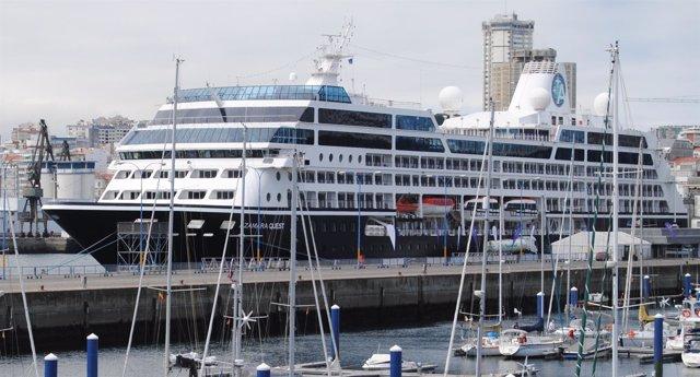 El buque de lugo 'Azamara Quest' en el Puerto de A Coruña